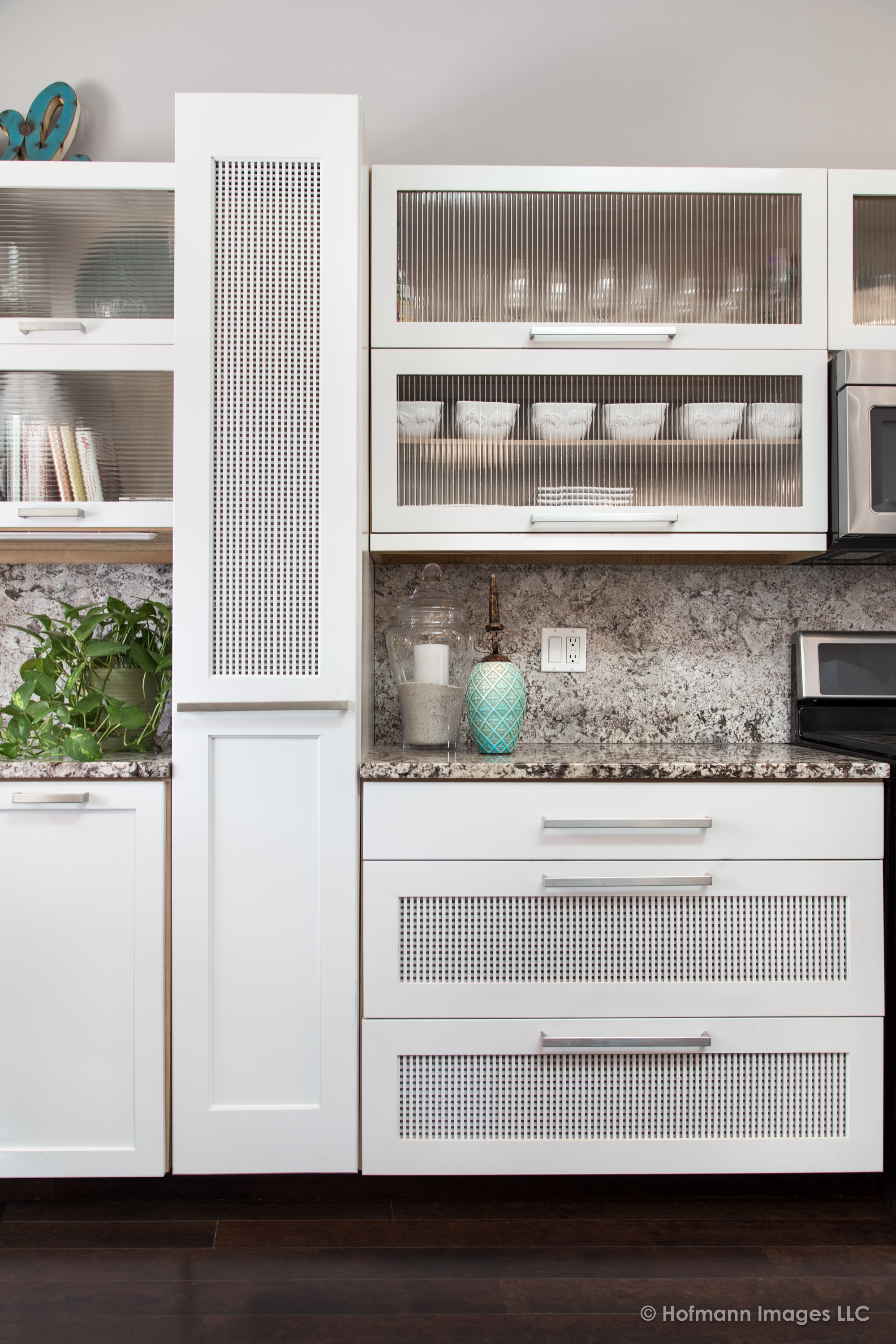 hofmann-images-kitchen-cabinetry-section