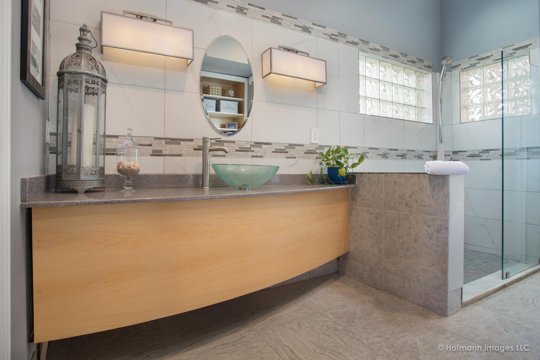 hofmann-images-master-bath-vanity
