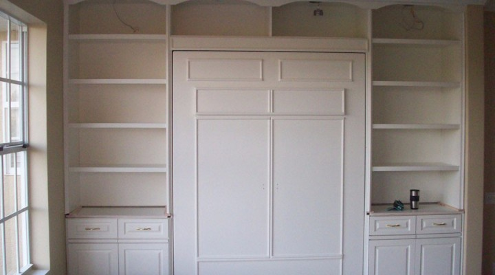 Muprhy bed with bookcase units